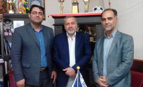جلسه دکتر شیرازی با روسای اداره ورزش و جوانان و هیات فوتبال ورامین